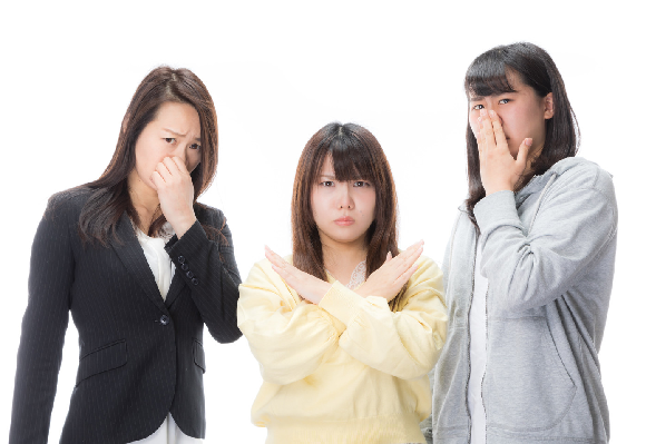Japanese all-girls e-sports teams apologizes to fans after learning one of its members is a man