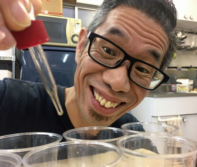 Testing Japan's sold-online love potion: Mr. Sato makes his coworkers drink the romantic mixture