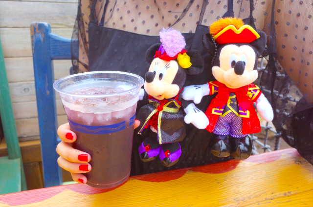 Take our quality-tested Disney Sea cocktail tour: no time to lose when it comes to booze!