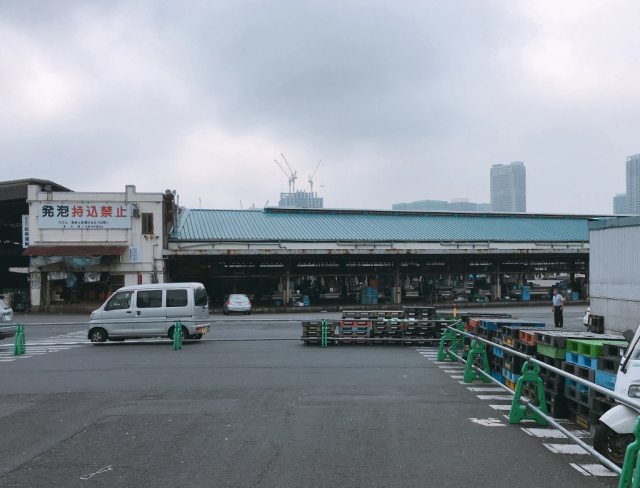 With its Inner Market closed down, we stop by Tsukiji to see how Tokyo's sushi mecca is coping