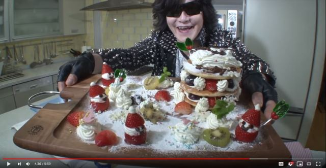 X Japan vocalist Toshi becomes a YouTuber, makes Christmas pancakes【Video】