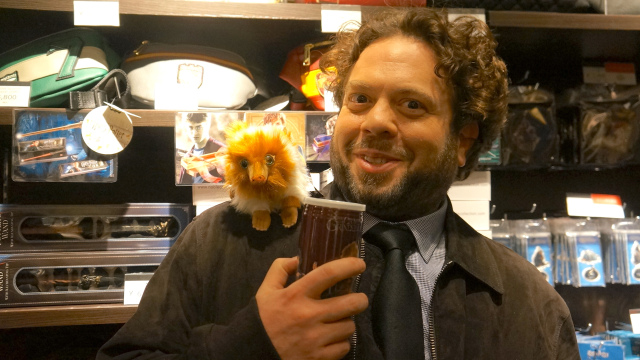 We interview Fantastic Beasts star Dan Fogler at the new Wizarding World Cafe in Japan