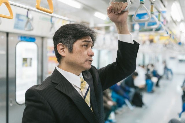 Train etiquette: top ten inconsiderate behaviors that tick Japanese train commuters off the most