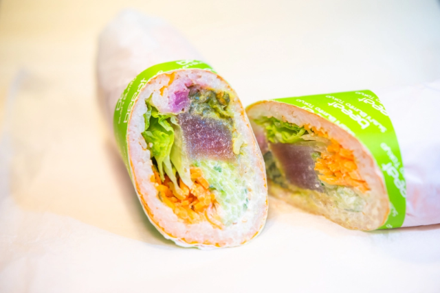 Sushi burritos come to Tokyo with the opening of Beeat in Tokyo, and we tried three for ourselves