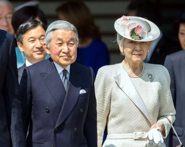 Donald Trump will probably be the first foreign leader to meet with Japan's new emperor