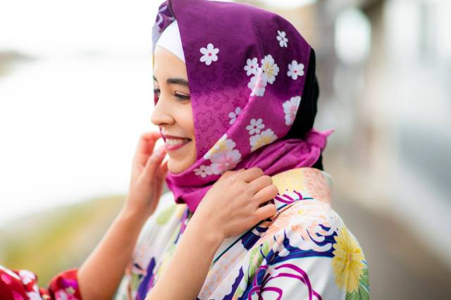 Kimono rental shops in Kyoto and Nara offer Japanese-style hijabs to buy or rent