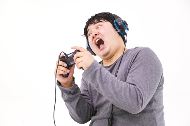 """Japanese gamers with """"Multiplay Phobia"""" avoid online play so they won't cause trouble for others"""