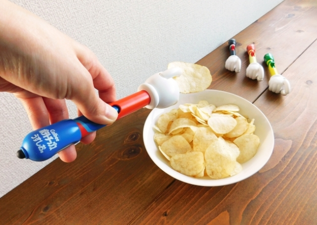 Let Potechinote do all the dirty potato chip work and keep your touchscreens sparkling