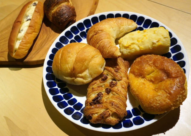 Muji Ginza's freshly baked bread is our new favorite thing