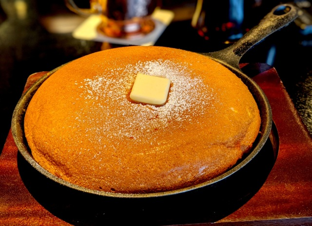 We try epic pancakes at Japanese coffeehouse chain Doutor