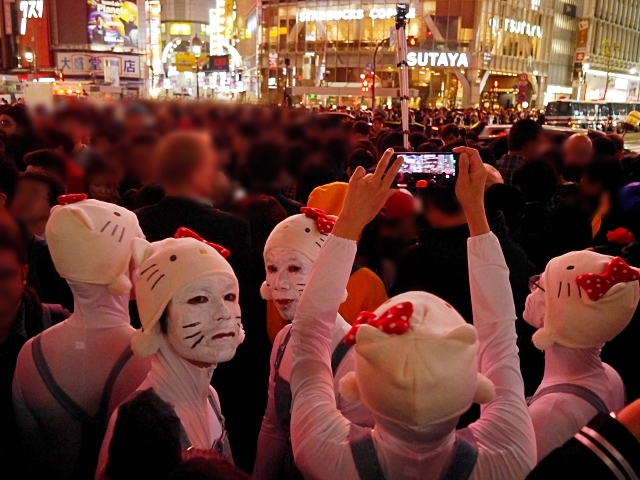 Tokyo's Shibuya neighborhood bans public Halloween drinking following mayhem