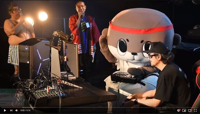 Otter mascot character Shinjo-kun kicks butt at Street Fighter tournament in full costume【Video】