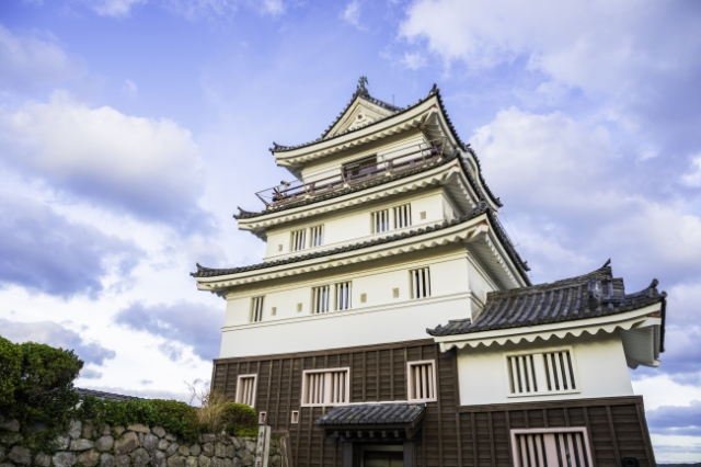 Looking for a hotel in Japan? Skip the ryokan and stay in this castle instead!