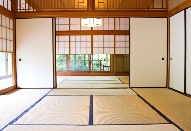 Tatami etiquette: Why you should never step on the threshold of a washitsu Japanese room