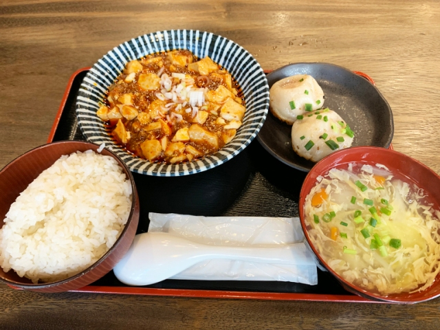 Dine at Akihabara's Dorami and get all-you-can-eat mapo tofu, plus delicious dumplings and more