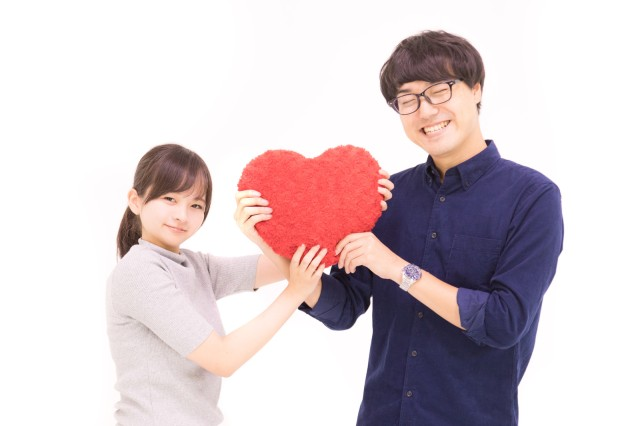 "Boyfriend's ""cute"" way of telling his girlfriend how much he loves her turns off Japanese Twitter"