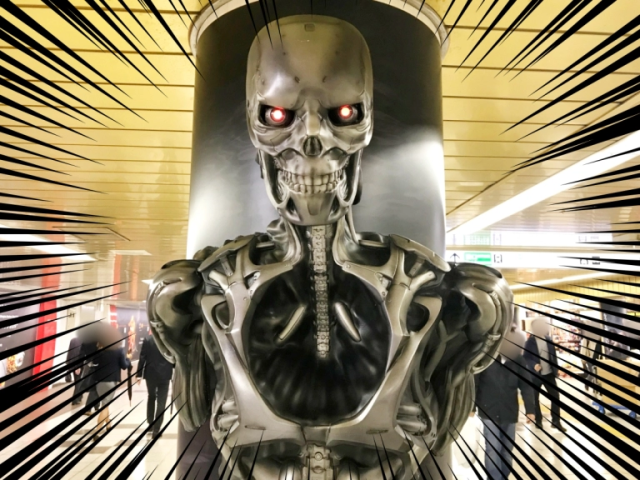 Skynet sends a Terminator to Tokyo's Shinjuku Station to future-freak-out commuters【Photos】