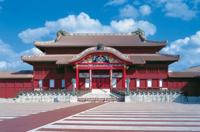 Crowdfunding campaign opens to rebuild fire-ravaged Shuri Castle, raises over 290 million yen