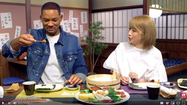 Will Smith makes sushi with Japanese YouTuber Bilingirl Chika
