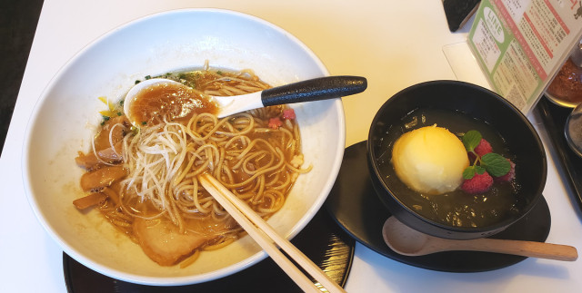 Ramen and sweets served together at this stylish ramen cafe in Shibuya【Photos】