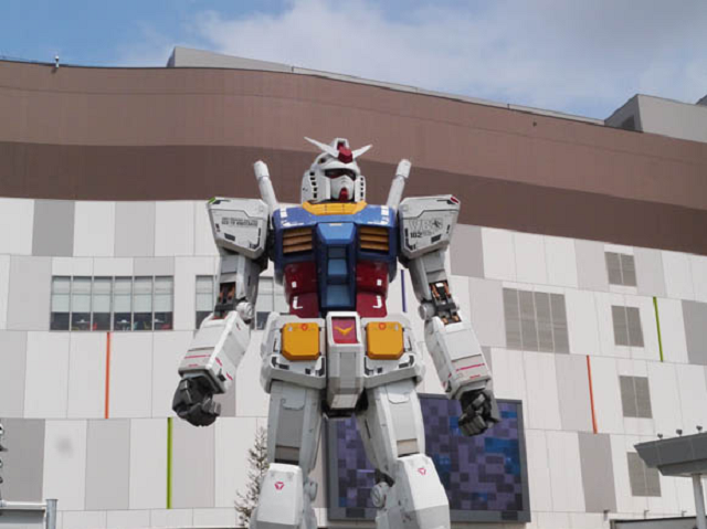 Gundam conquers AKB48? Mobile suit cafe closes to expand, may take over idol eatery's territory