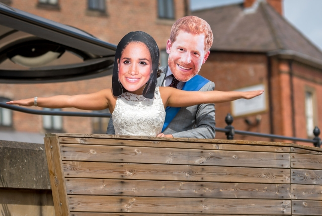 Japanese newspaper issues correction over hilarious Harry and Meghan photo