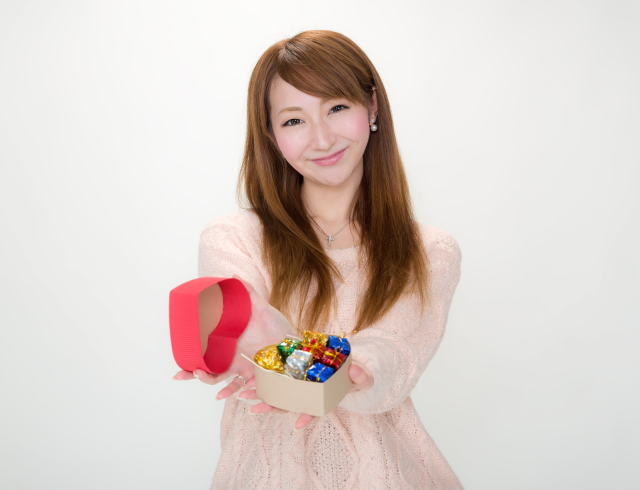 "In Japan, women give ""obligation chocolate"" on Valentine's Day, but do guys even want it?"