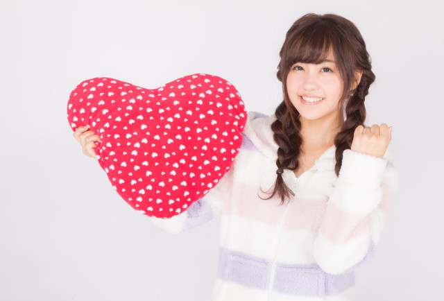 Japanese Valentine's Day surveys: women likely to succeed at confessing, men split on chocolate
