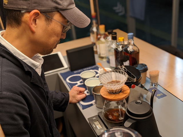 We visited an ultra stylish coffee stand on the streets of downtown Fukuoka