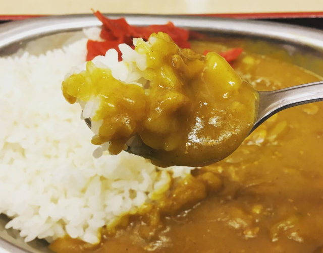 Crazy Japanese man achieves dream of filling his bathtub with curry rice【Photos】