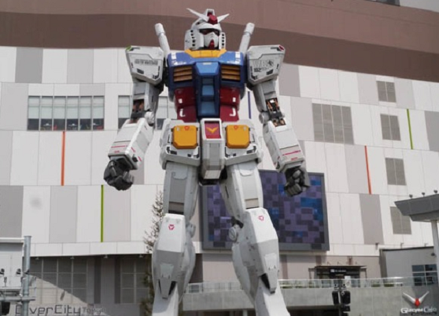 Gundam as god – Photo shows real-life giant anime robot getting deep respect