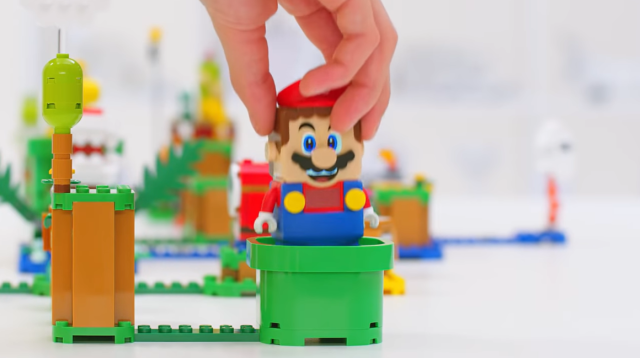 The Lego Super Mario set is way more awesome than it needs to be【Video】