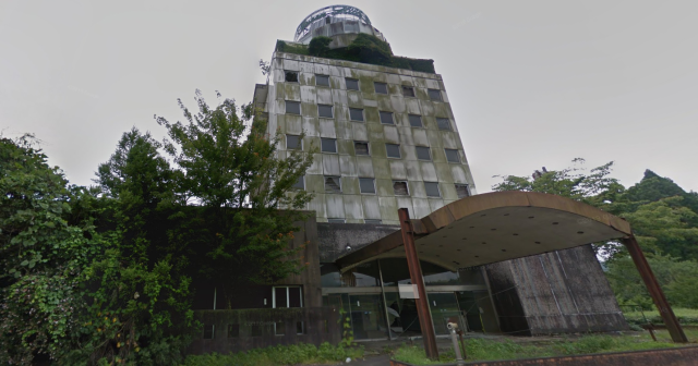 "Rotting corpse discovered by two men exploring ""haunted hotel"" in Japan"