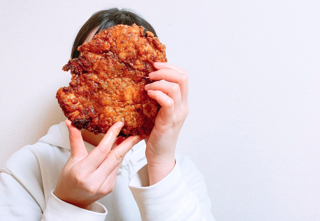 Gluttony has no limits with Costco fried chicken larger than our face【SoraKitchen】