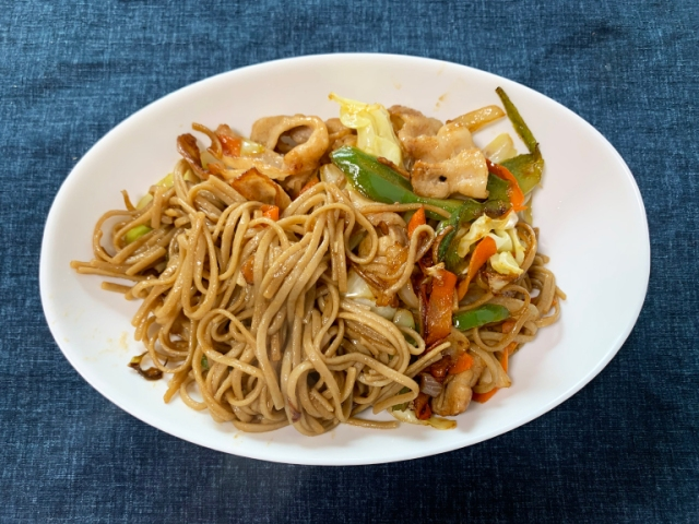 We try cooking yakisoba with real Japanese buckwheat soba【SoraKitchen】
