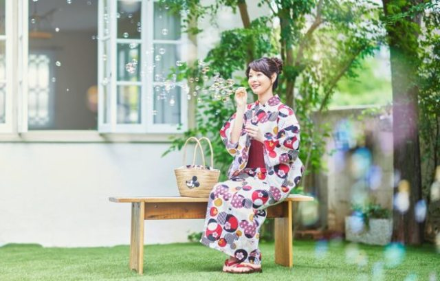 Disney releases new line of summer kimono, complete with stylish Mickey and Frozen motifs