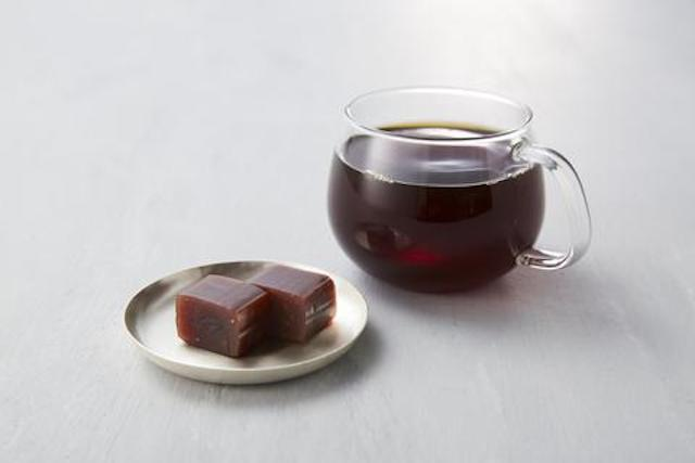 Blue Bottle Coffee now offering traditional sweet bean gelatin cake at stores across Japan