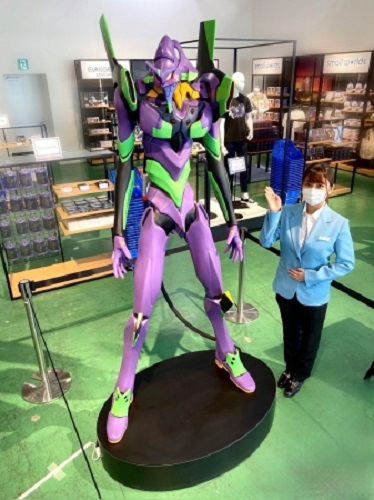 "Got 33,000 bucks to spend on an anime ""figure?"" Then this human-scale Evangelion could be yours!"