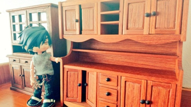 78-year-old dad in Japan handmakes amazing anime figure furniture for his otaku child
