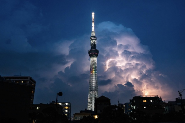 Lightning storm photos of the Skytree show the Tokyo symbol in a whole new light【Photos】