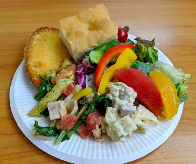 Sizzler's salad bar now available for takeout in Japan, but is it really all-you-can-eat?