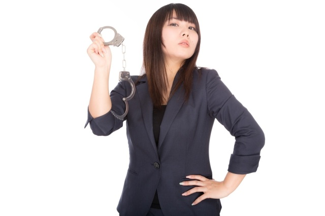 """Awesome Japanese wife """"kidnaps"""" her husband as he leaves work…for his own good"""