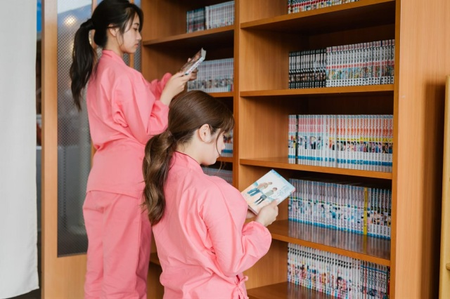 Hot spring hit by manga thief shows saintly kindness as it tries to recover its missing comics