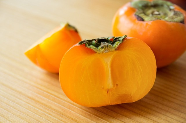 Japanese study shows that persimmon tannin juice may render the coronavirus harmless