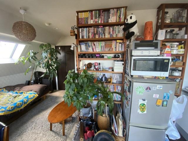 Tour our Japanese-language reporter's apartment, a wonderland of 100-yen trinkets
