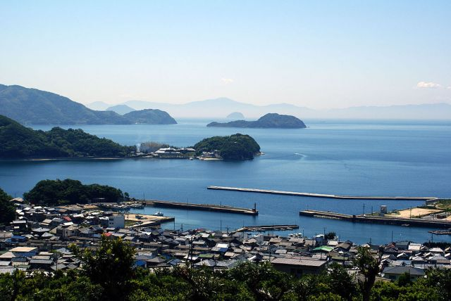 "New environmental regulations considered for Seto Inland Sea because it has become ""too pretty"""