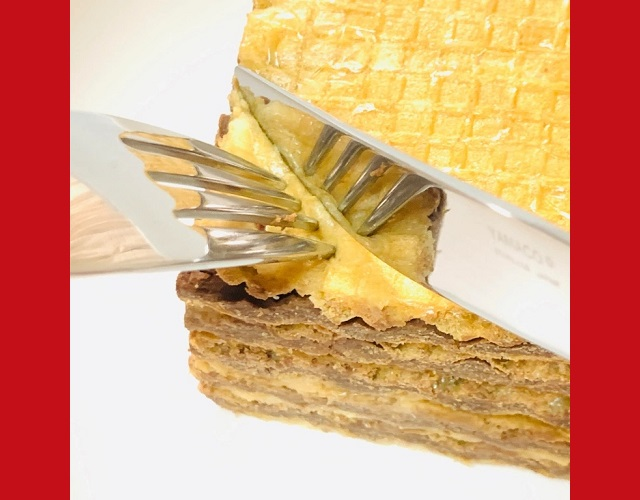 How to make a no-bake mille crepes-style cake with cheap combini chocolate wafers【SoraKitchen】