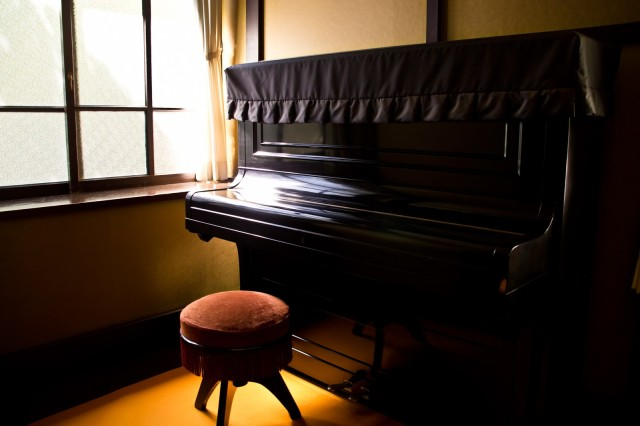 Nagoya man arrested for stealing piano covers from schools for reasons unknown to all
