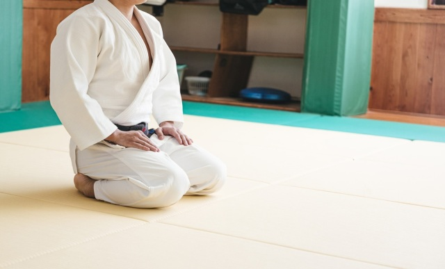 Finally, a tool to save us from the pain of sitting Japanese-style【Photos】