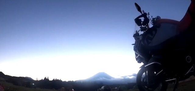 Beautiful Mt. Fuji sunrise or literal end of the world? Video looks like it could be either one